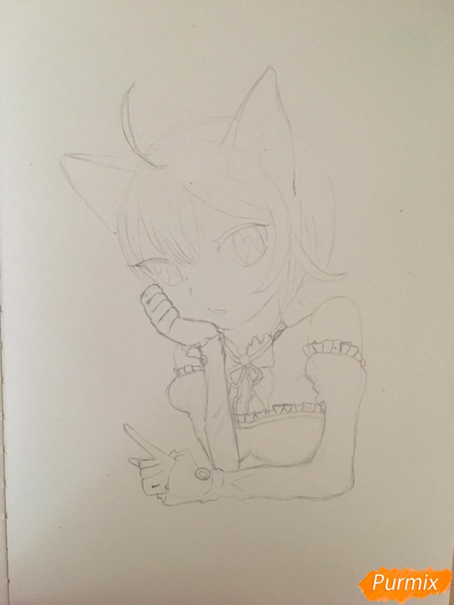 Рисуем аниме девочку неко с короной простыми карандашами - шаг 5