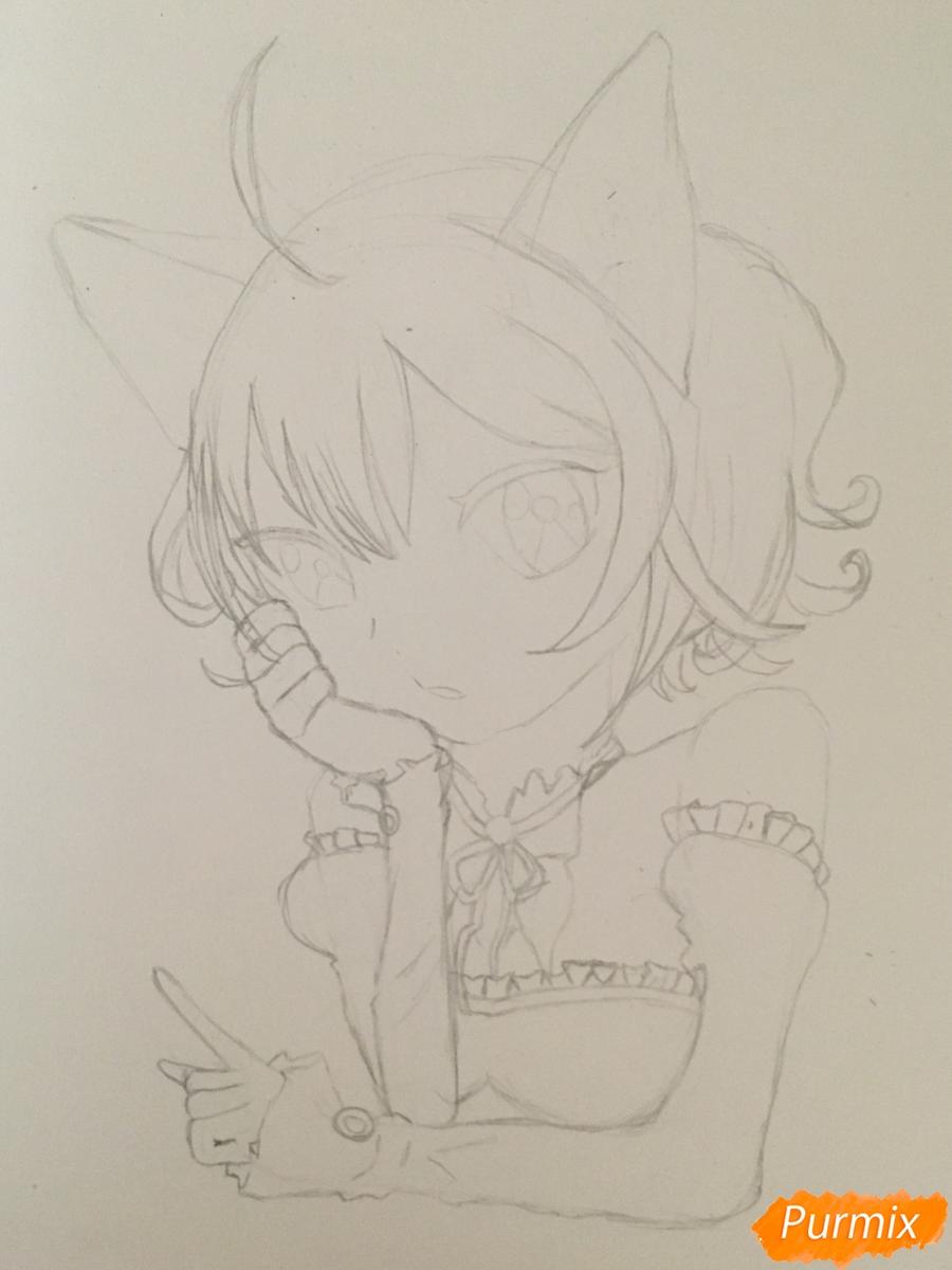Рисуем аниме девочку неко с короной простыми карандашами - шаг 6