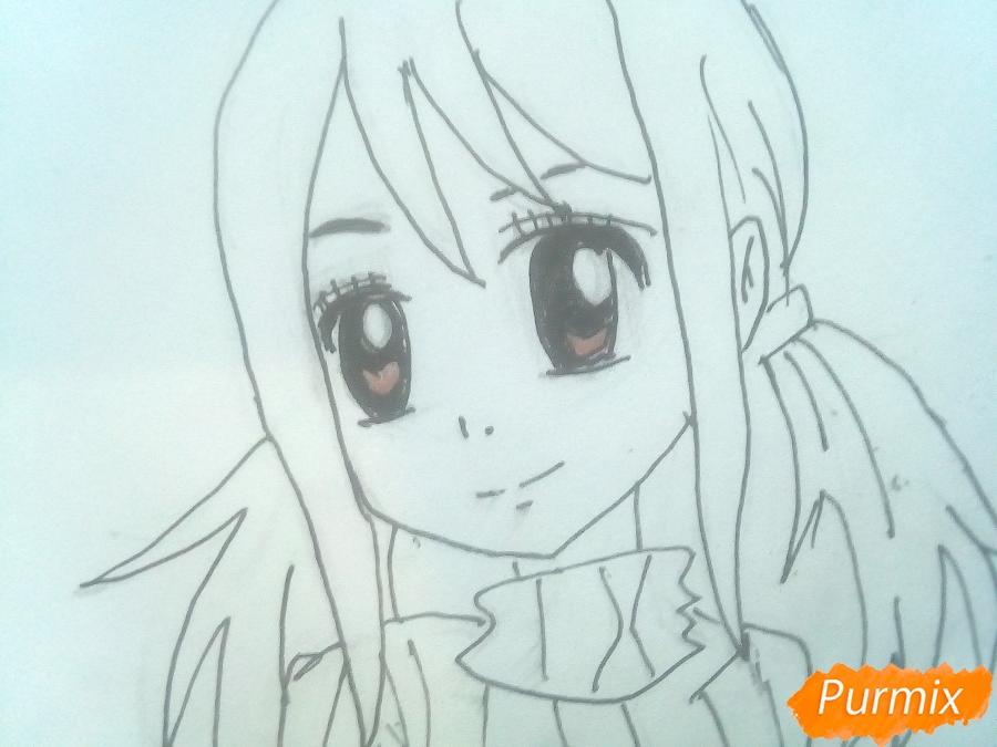 Рисуем Люси Сердоболию в свитере из аниме Хвост Феи карандашами - шаг 9