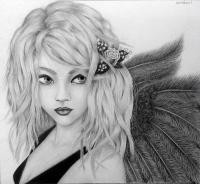 Фото портрет аниме девушки ангела простым карандашом