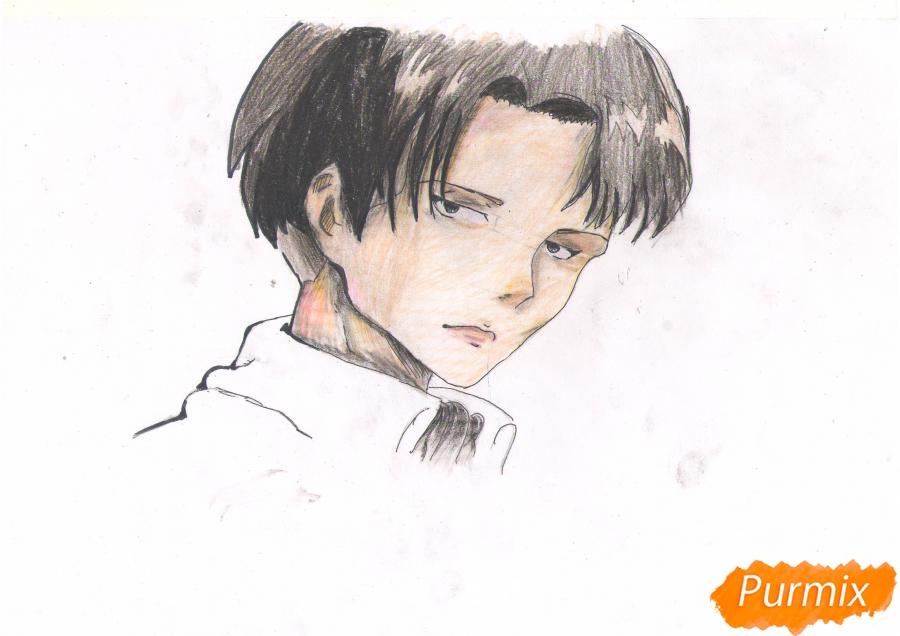 Рисуем портрет Леви Капрала цветными карандашами - фото 8