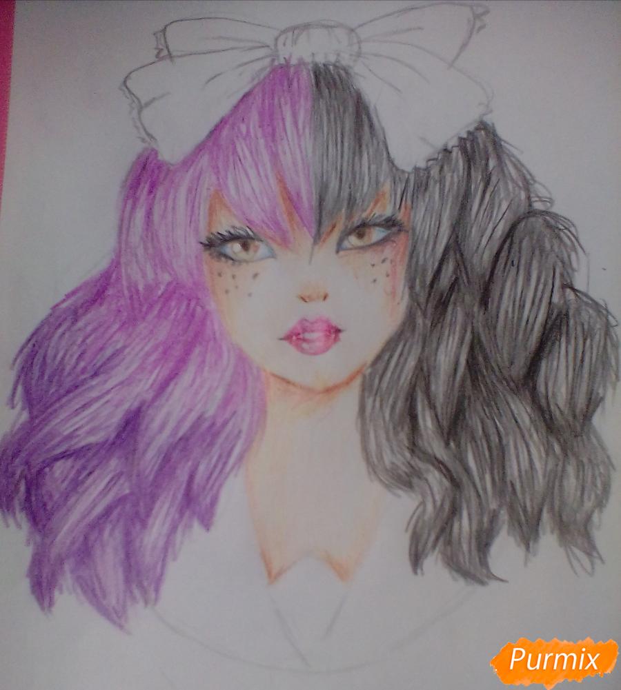 Рисуем портрет певицы Melanie Martinez из клипа Dollhouse - шаг 11