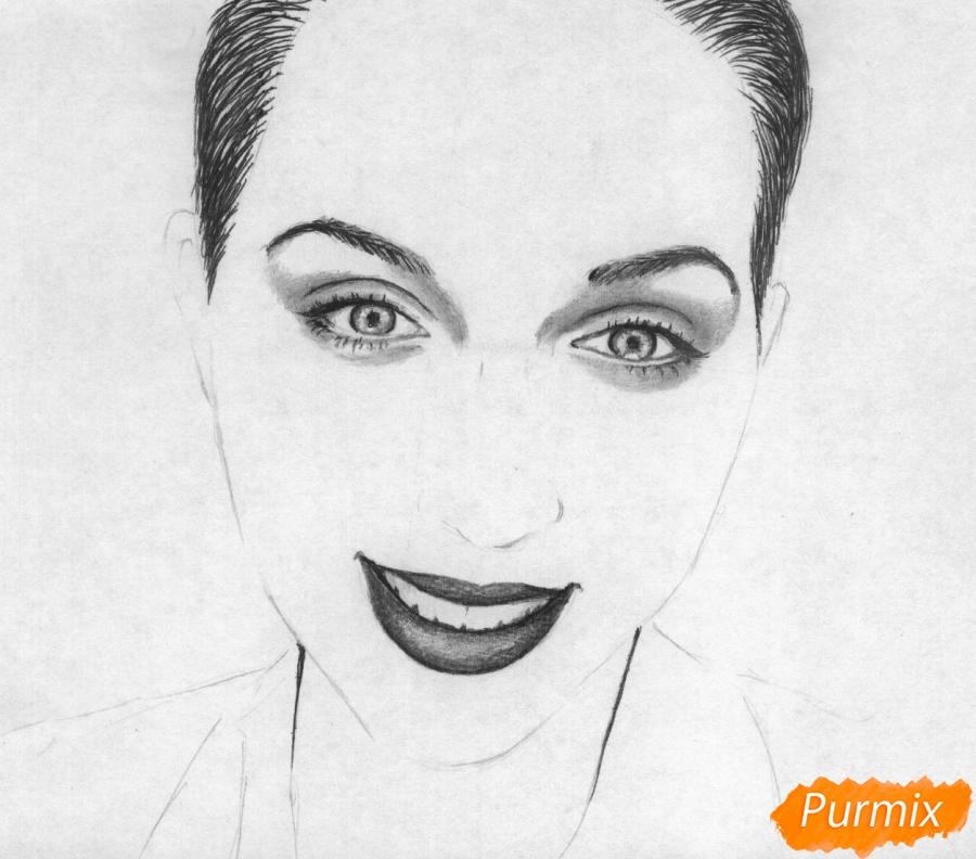 Как нарисовать портрет Кати Клэп карандашом поэтапно - шаг 3