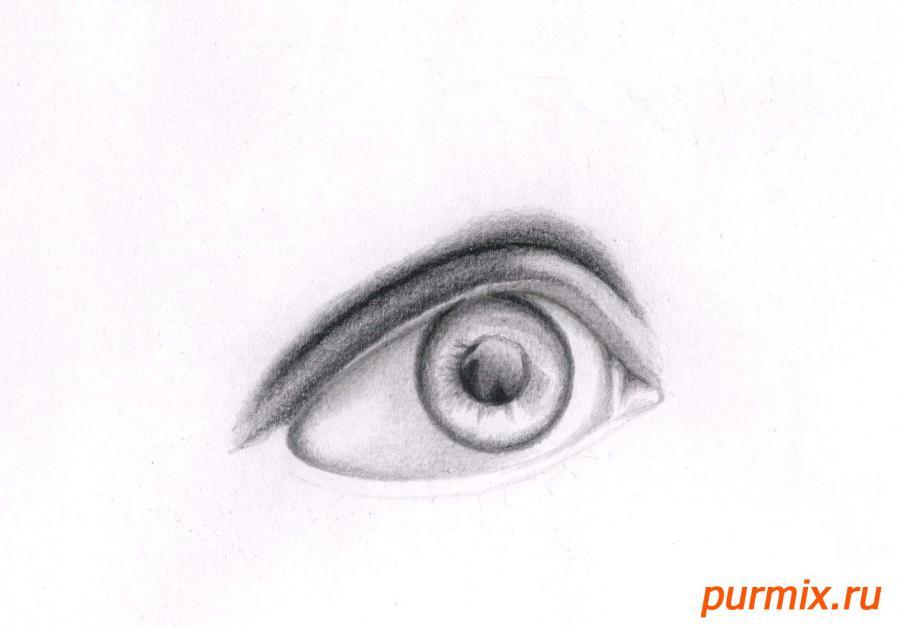 Рисуем глаз девушки - шаг 4