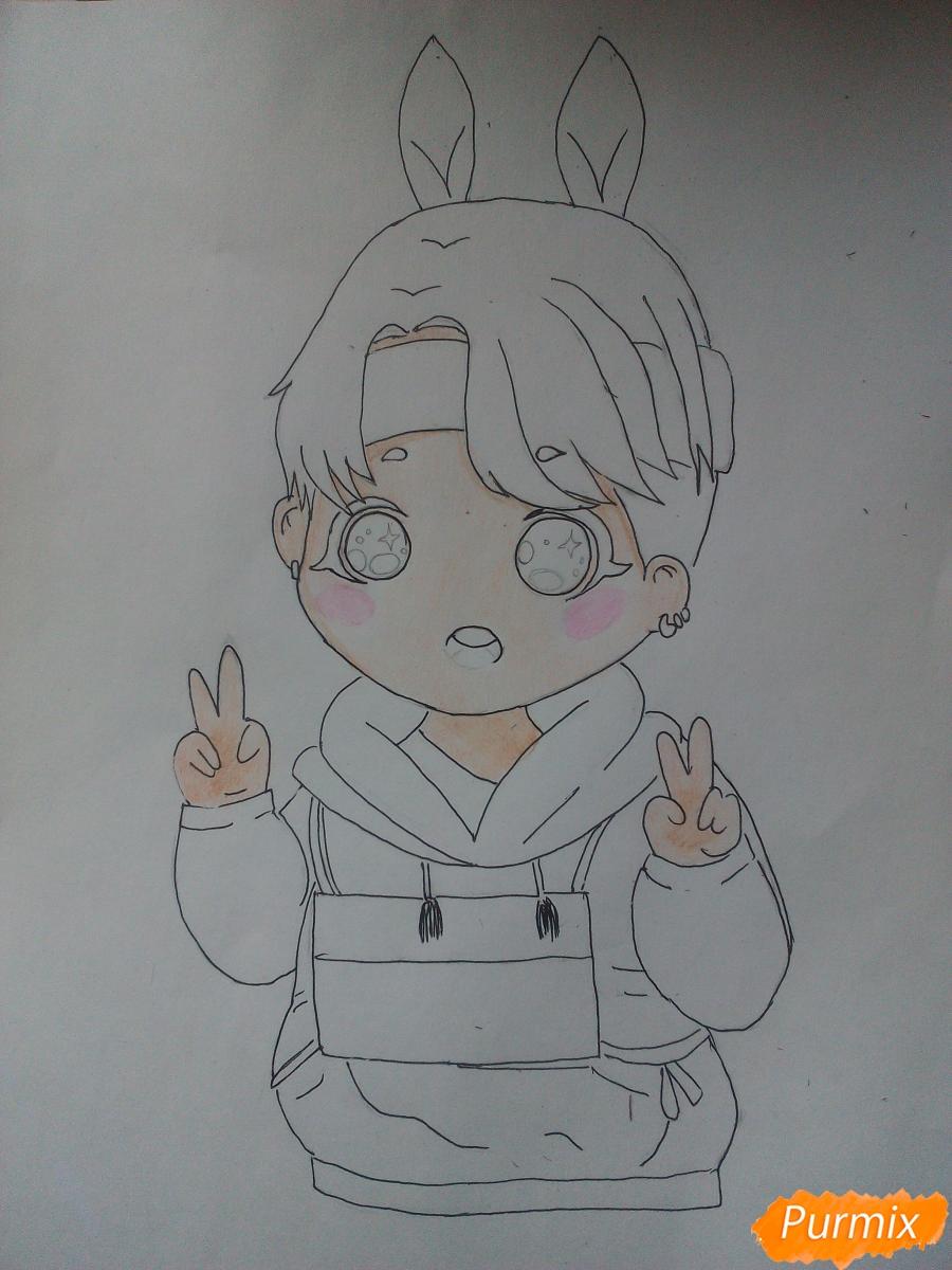 Рисуем маленького мальчика в стиле чиби карандашами - шаг 4