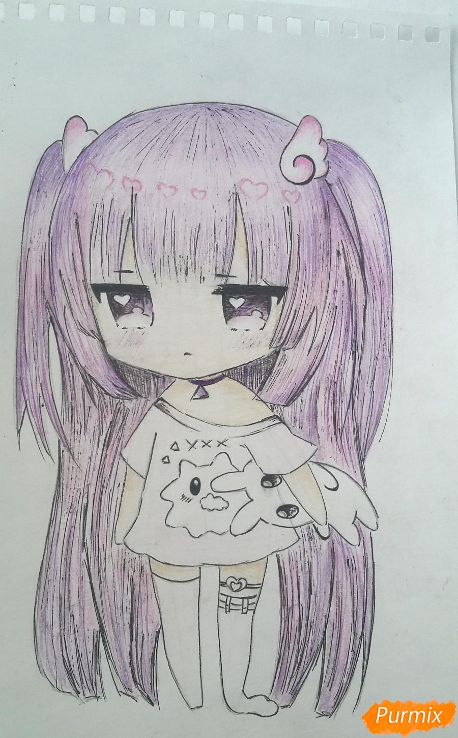 Рисуем милую чиби-тян в пижаме и игрушкой в руке карандашами - шаг 16