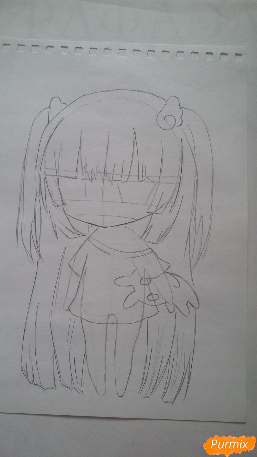 Рисуем милую чиби-тян в пижаме и игрушкой в руке карандашами - шаг 5