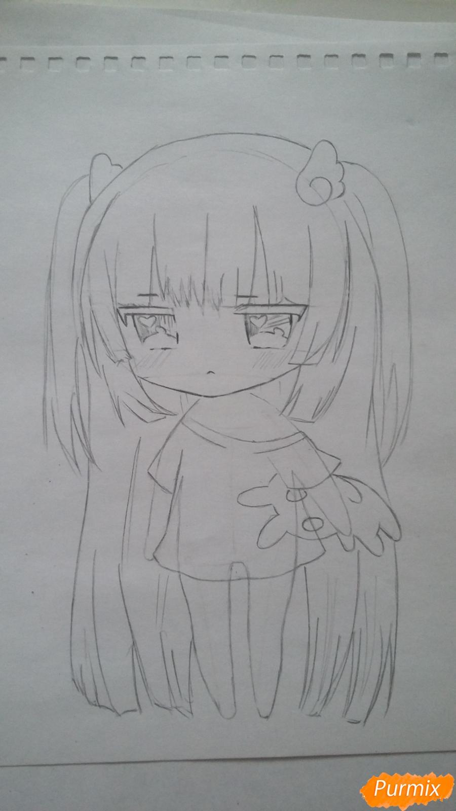 Рисуем милую чиби-тян в пижаме и игрушкой в руке карандашами - шаг 7