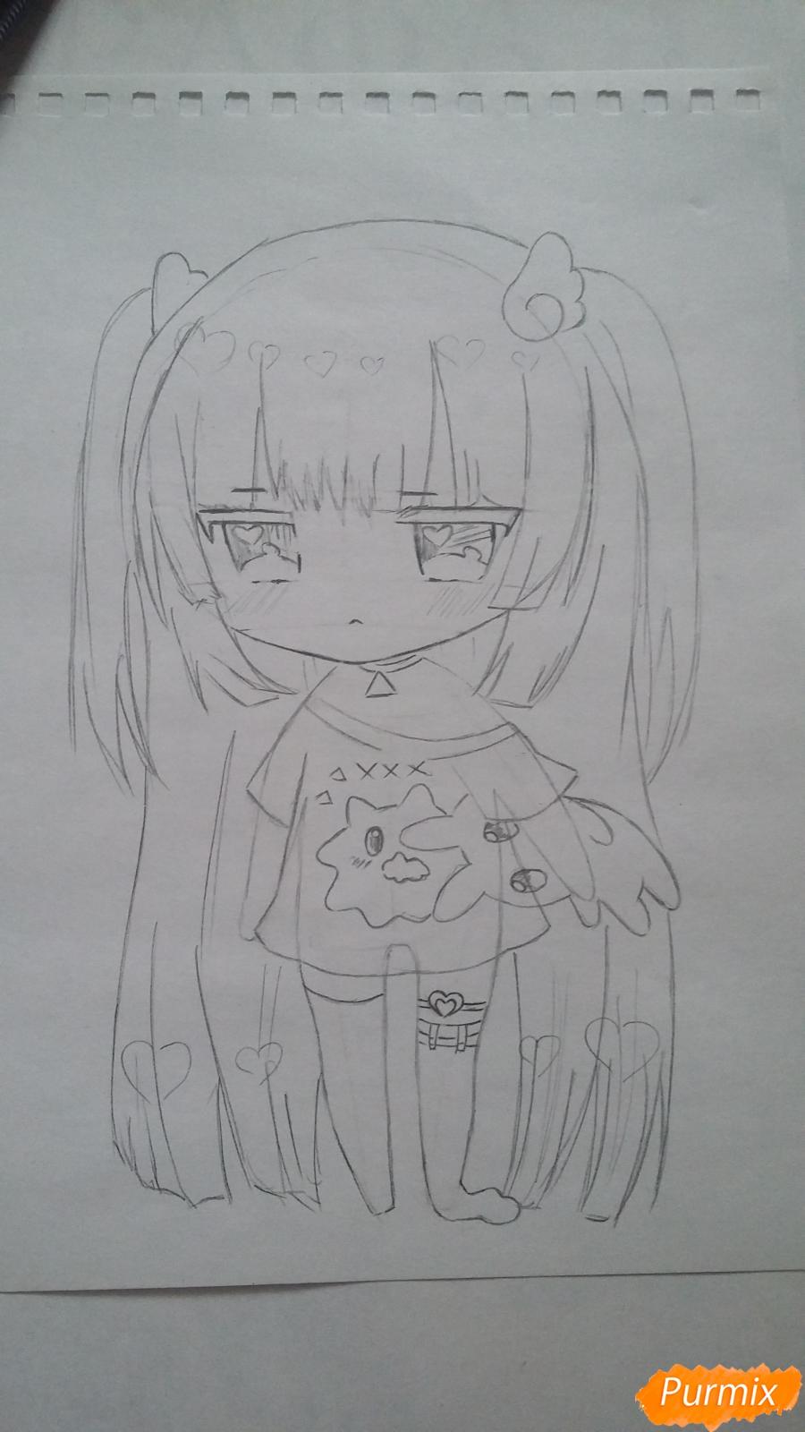 Рисуем милую чиби-тян в пижаме и игрушкой в руке карандашами - шаг 8