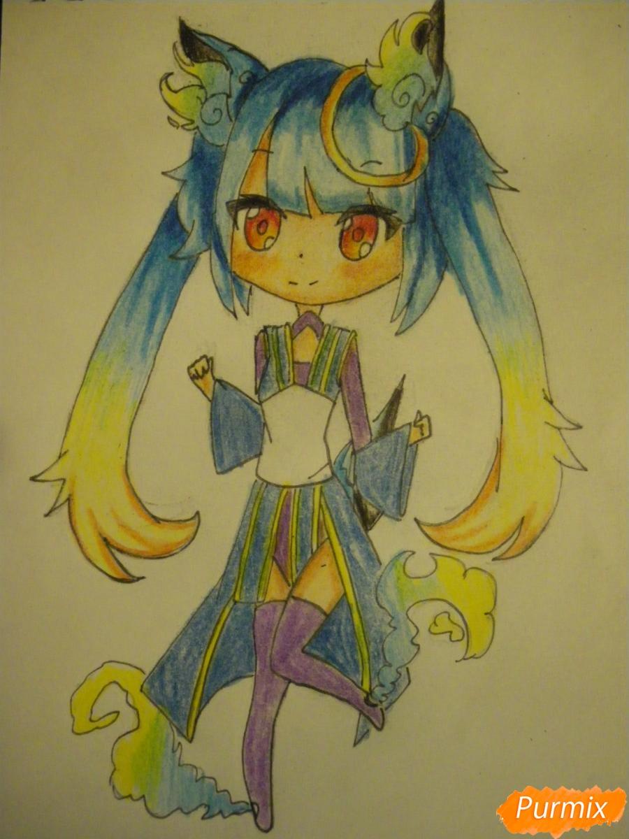 Рисуем синюю девочку лисицу в стиле чиби карандашами - шаг 17