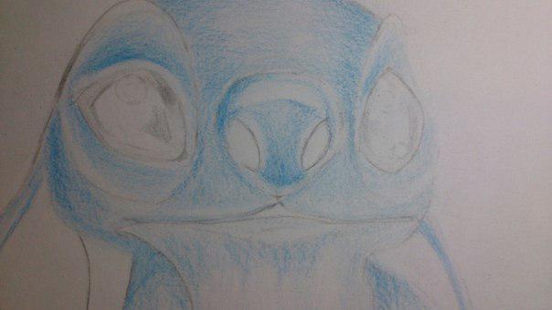 Рисуем Стича цветными карандашами - шаг 13