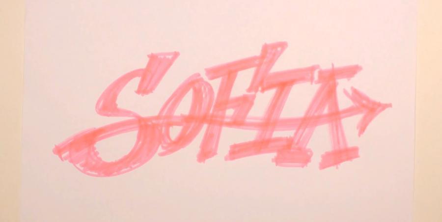 Рисуем имя Sofia в стиле граффити карандашами или фломастерами - шаг 2