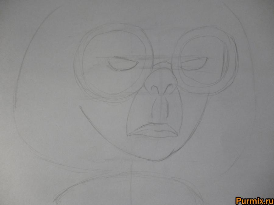 Как нарисовать Эдну Мод из Суперсемейки простым карандашом - шаг 2