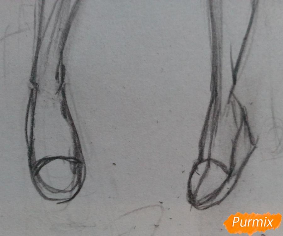 Рисуем девушку-кошку в капюшоне - шаг 4
