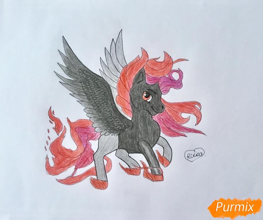 Как нарисовать огненного пони с крыльями карандашом поэтапно