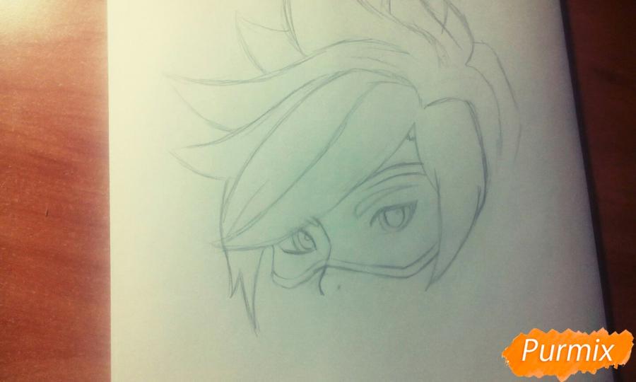 Рисуем персонажа Tracer из игры Overwatch карандашами - фото 3