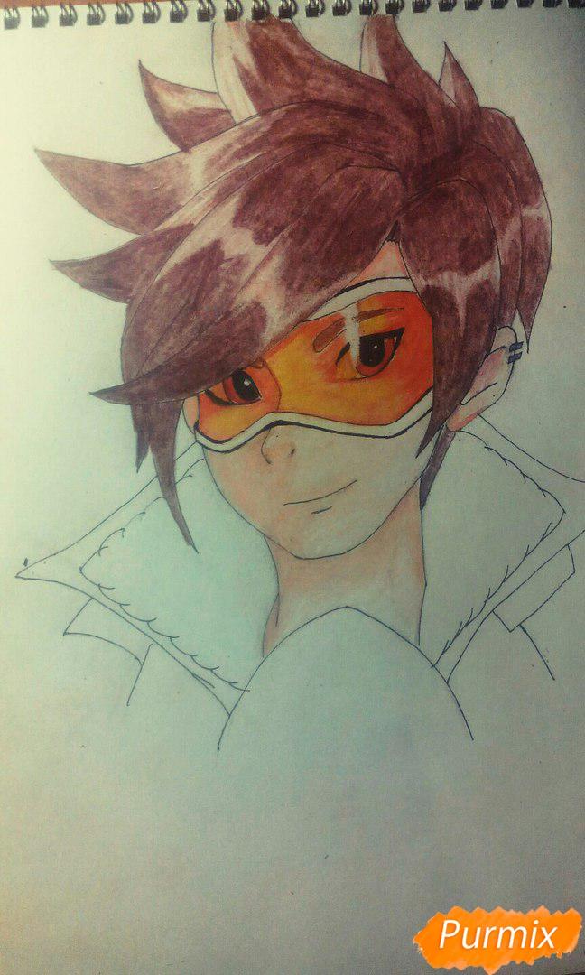 Рисуем персонажа Tracer из игры Overwatch карандашами - фото 6