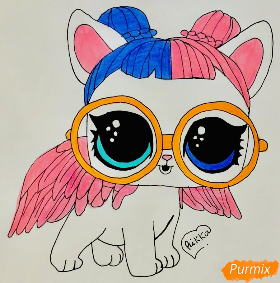 Как нарисовать белую кошечку с крыльями и в очках из мультфильма Lol Pets поэтапно