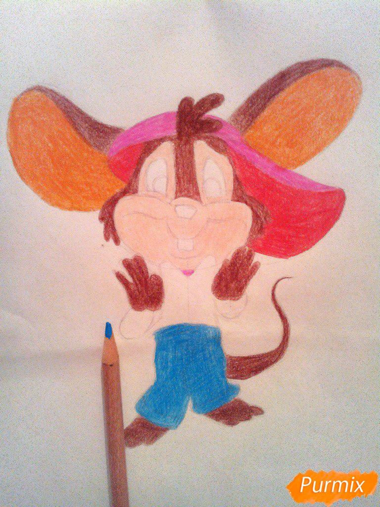 Рисуем испуганного мышонка цветными карандашами - шаг 10