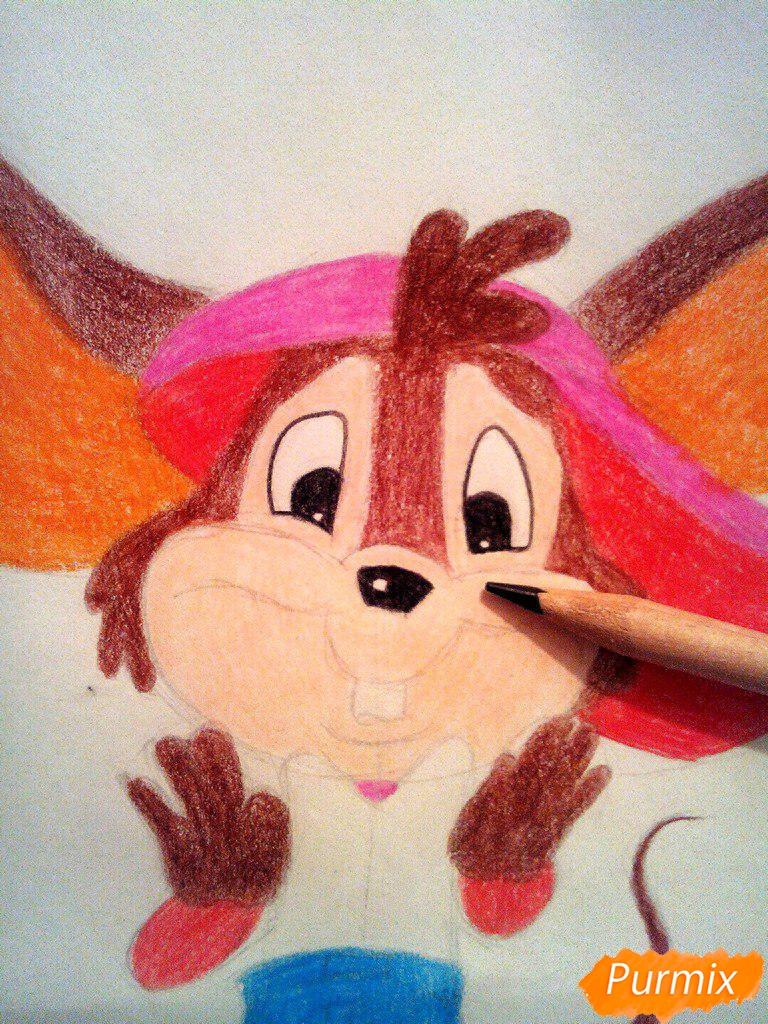 Рисуем испуганного мышонка цветными карандашами - шаг 12