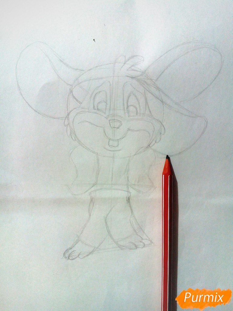 Рисуем испуганного мышонка цветными карандашами - шаг 3