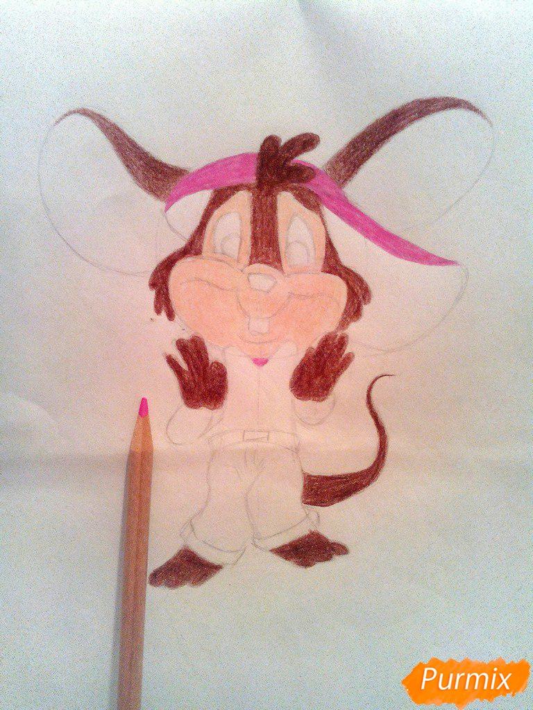 Рисуем испуганного мышонка цветными карандашами - шаг 7