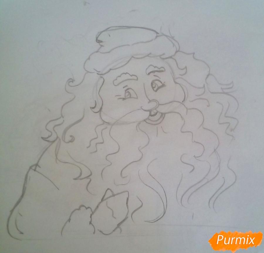 Рисуем Деда Мороза с пышной бородой цветными карандашами - фото 3
