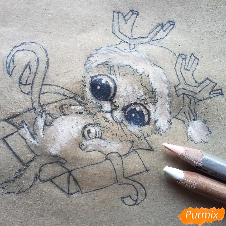 Рисуем котенка в новогоднем костюме цветными карандашами - шаг 8