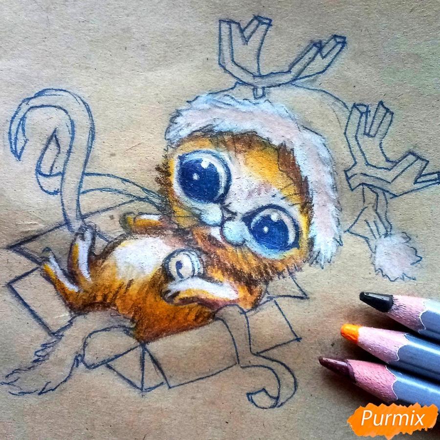 Рисуем котенка в новогоднем костюме цветными карандашами - шаг 9
