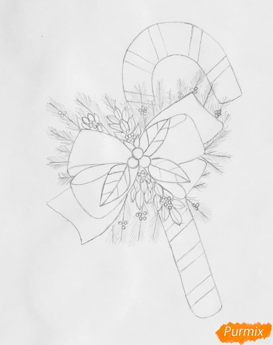 Рисуем новогодние леденцы с веточками ёлочки - фото 4