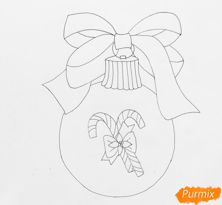 Рисуем новогоднюю игрушку с красным бантиком и леденцами - шаг 5