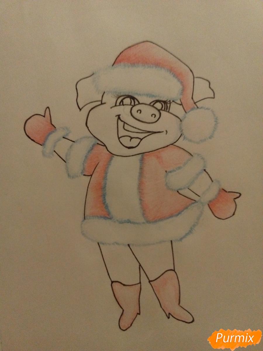 Рисуем свинку в новогоднем костюме в полный рост - шаг 9