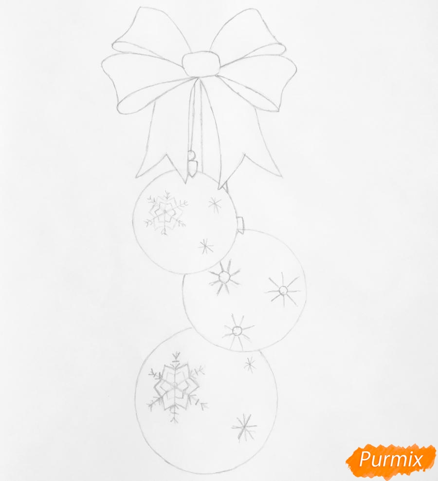 Рисуем три новогодние игрушки с красным бантиком - шаг 5