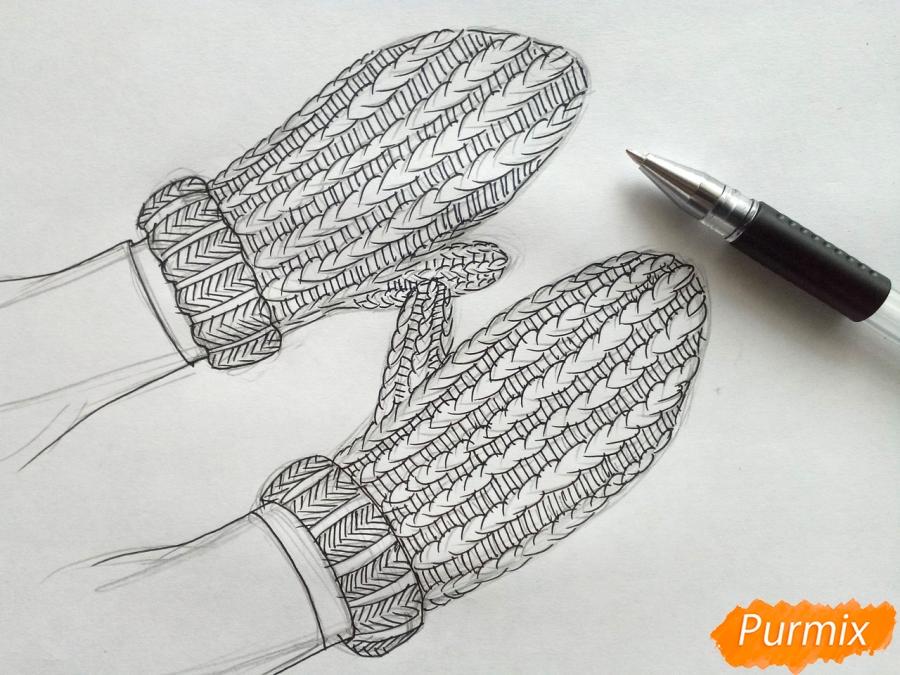 Рисуем вязаные варежки на руках - фото 5
