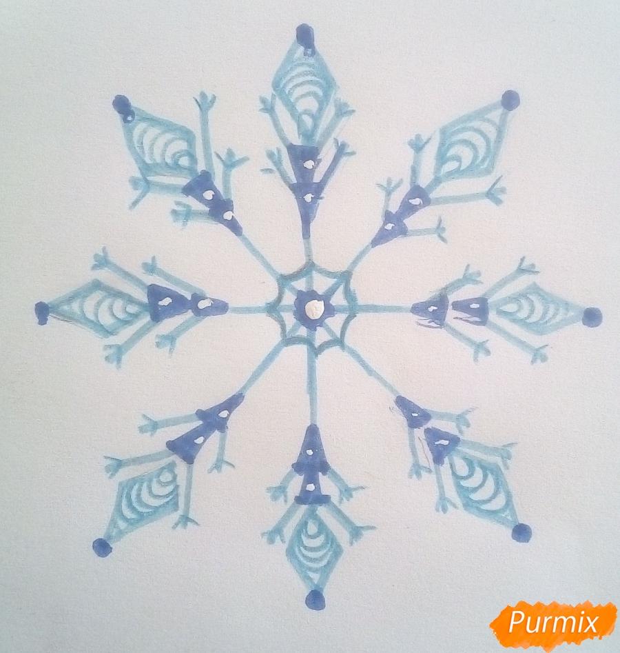 Как просто нарисовать снежинку цветными карандашами - шаг 7
