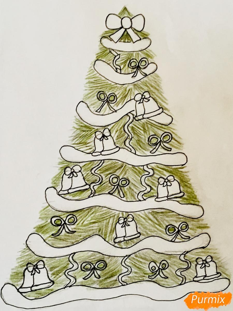 Рисуем новогоднюю ёлку с колокольчиками - фото 8