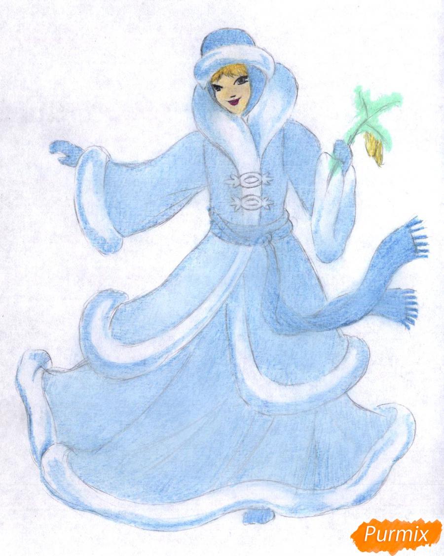 Рисуем снегурочку цветными карандашами - шаг 4
