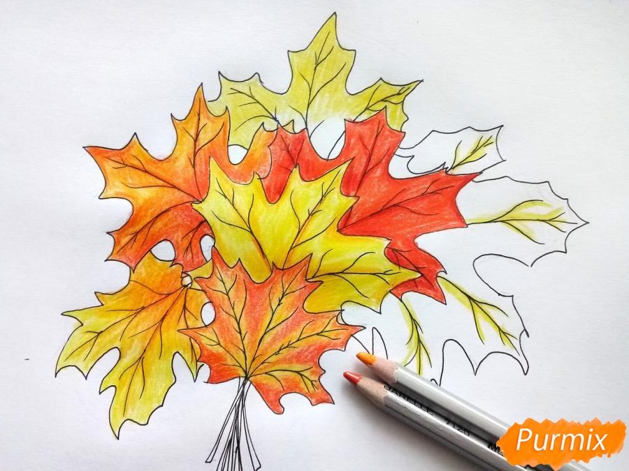 Рисуем букет из кленовых листьев - фото 7