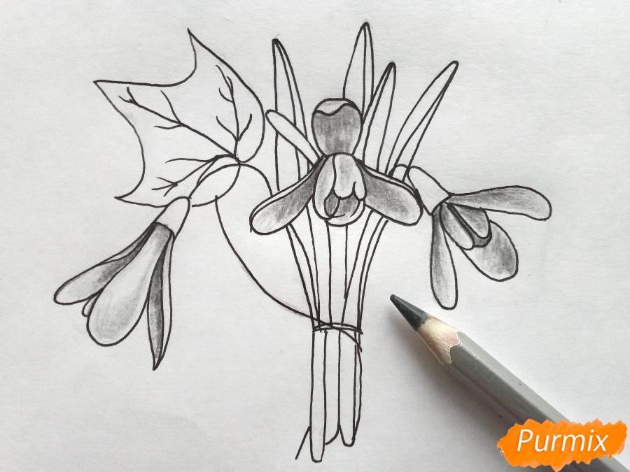 Рисуем букет подснежников цветными карандашами - фото 6