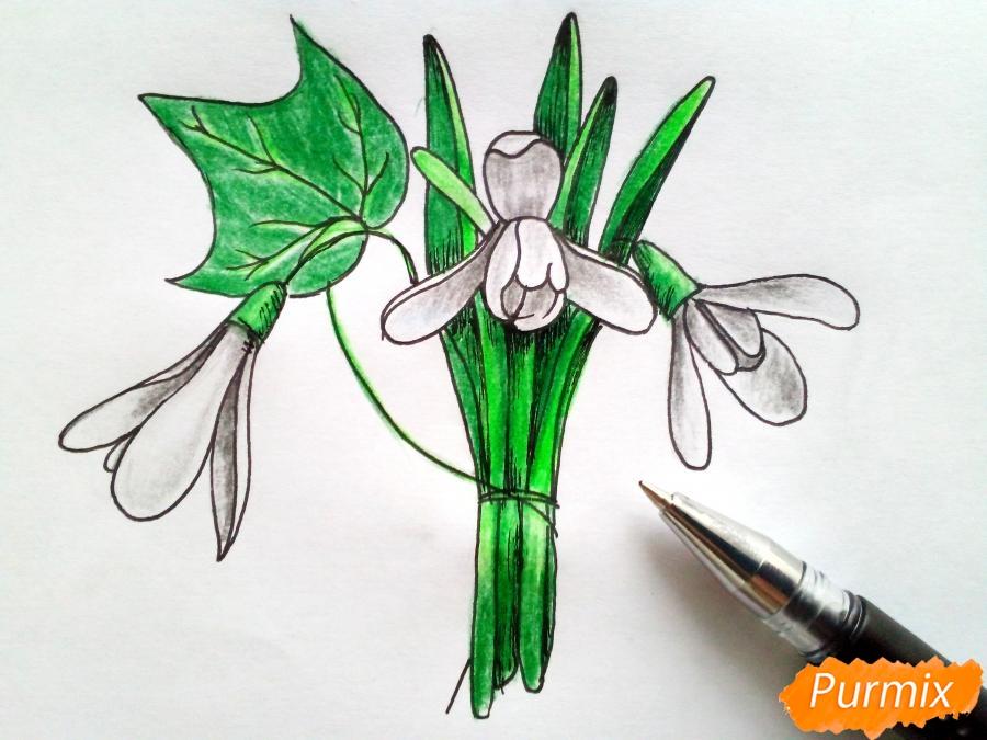 Рисуем букет подснежников цветными карандашами - фото 8