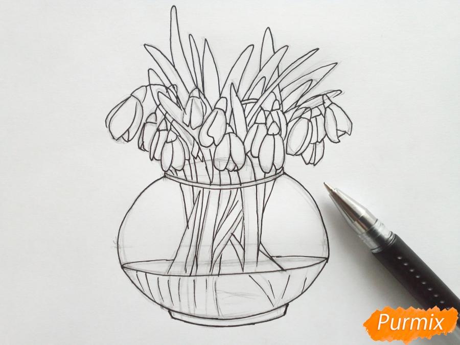 Рисуем букет подснежников в вазе карандашами - фото 5