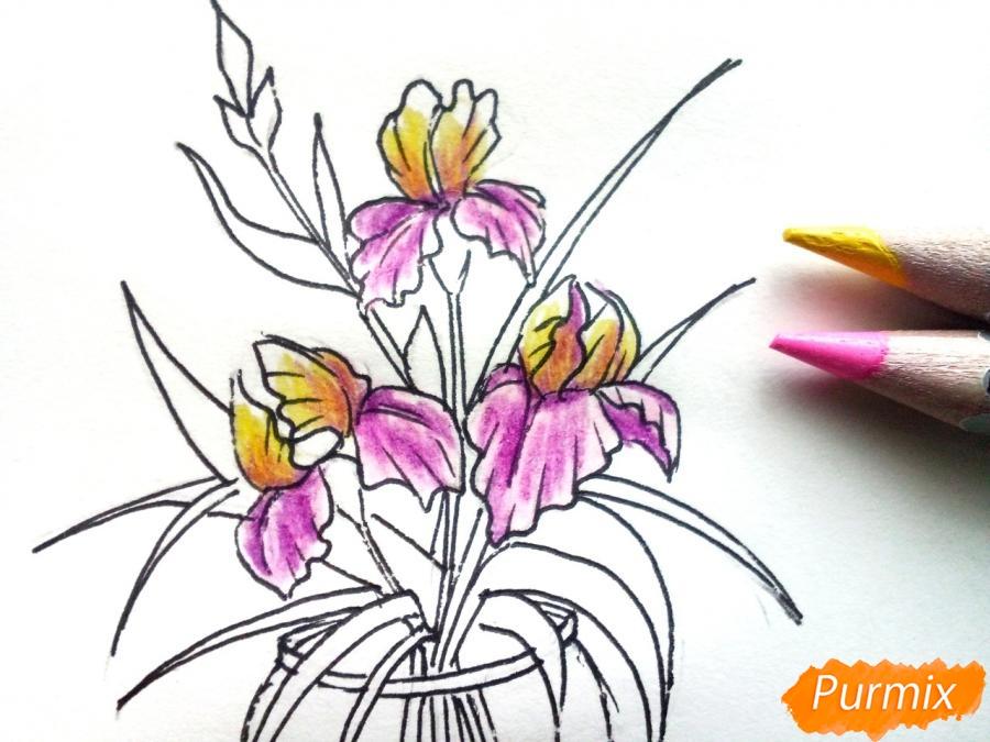 Рисуем ирисы в вазе - фото 7