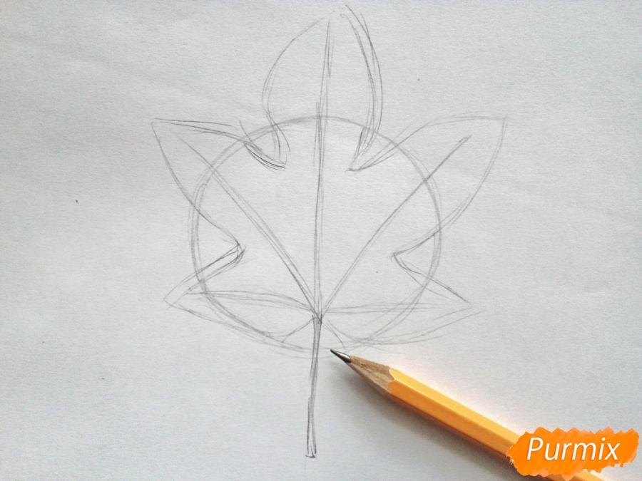 Рисуем кленовый лист черной ручкой - фото 2