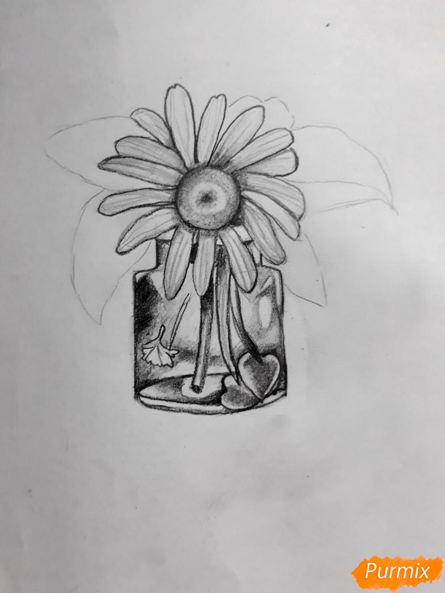 Рисуем ромашку в стеклянной банке - шаг 5