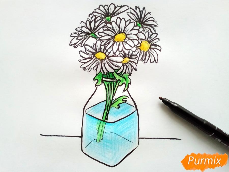Рисуем вазу с ромашками карандашами - фото 8