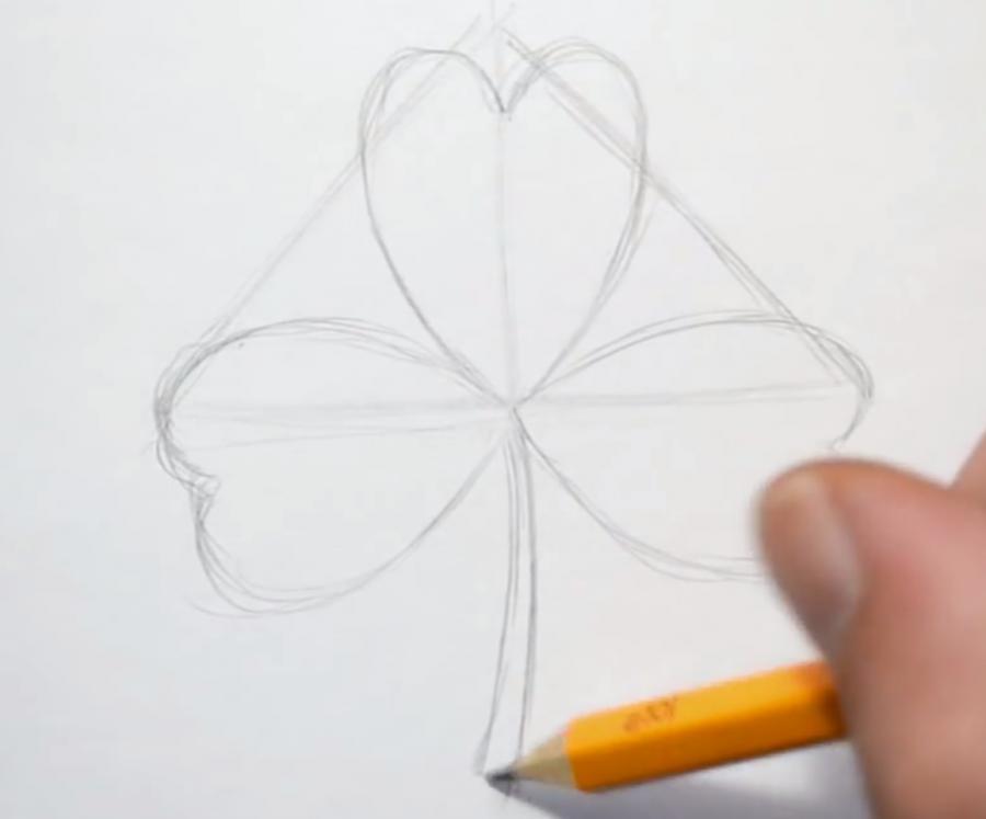 Рисуем листик клевера