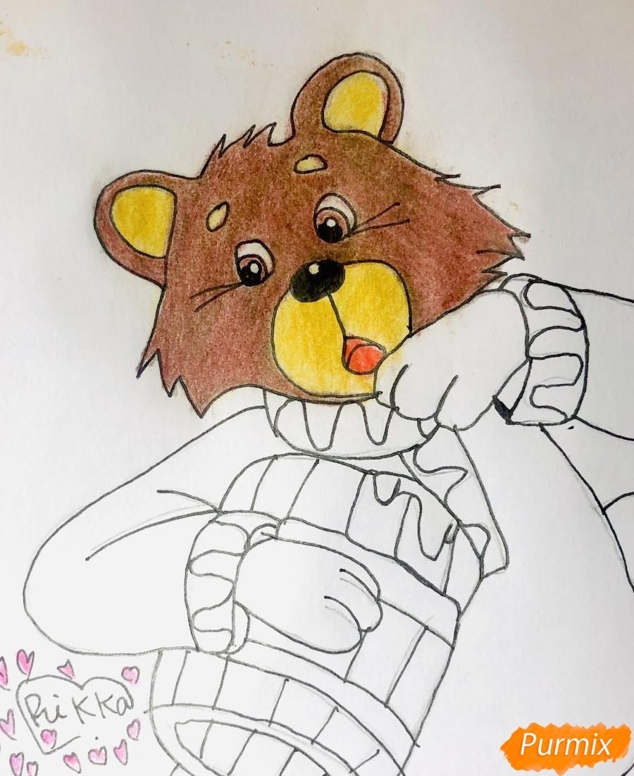 Рисуем колобка мишку и цветными карандашами - шаг 7