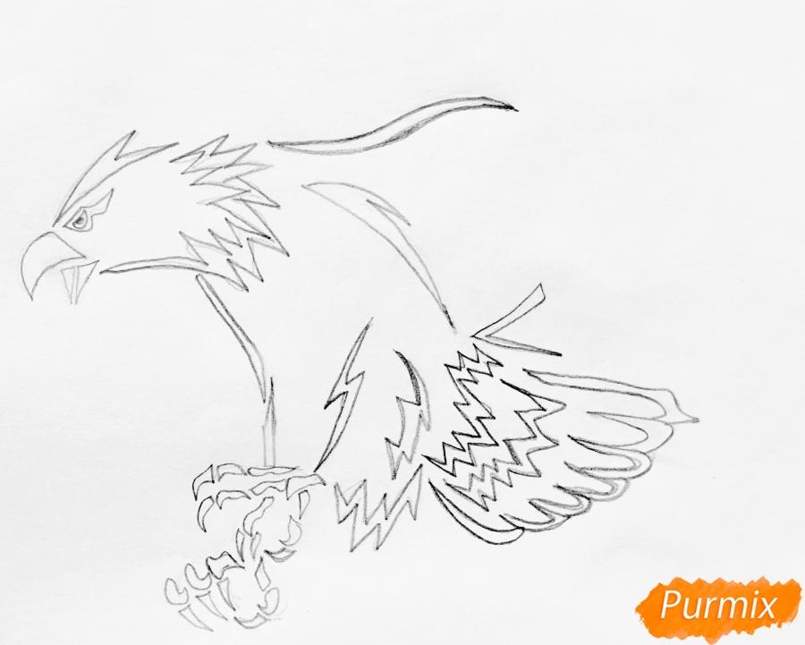 Рисуем коршуна в стиле тату - шаг 3