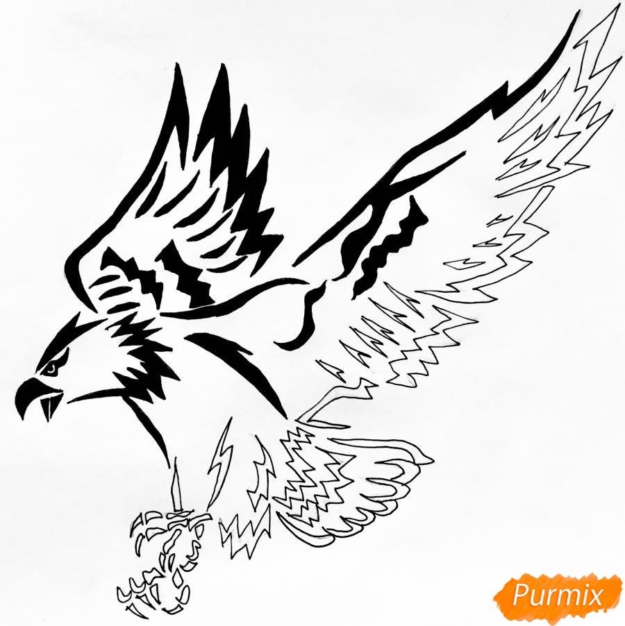 Рисуем коршуна в стиле тату - шаг 9