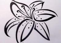 лилию в стиле тату на бумаге